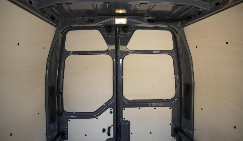 equipement-vehicule-utilitaire-portes